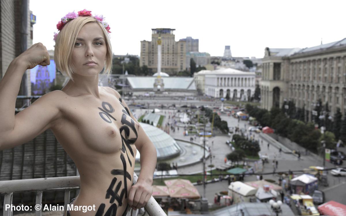 Kamilla Nude Video